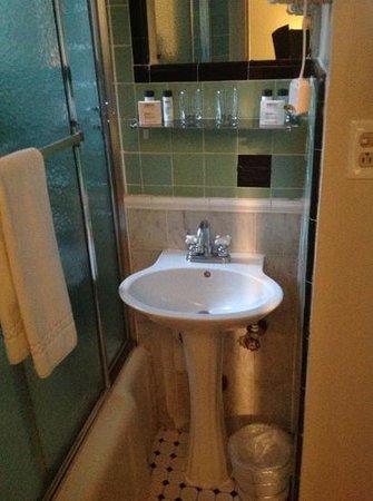 The Evelyn: Bathroom