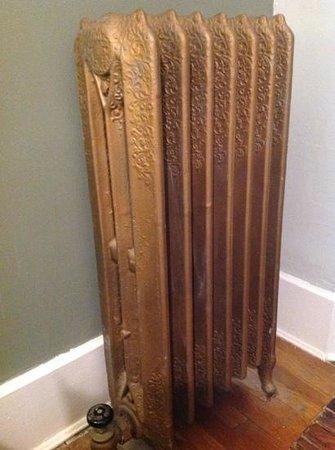 The Evelyn: Noisy , yet gorgeous radiator