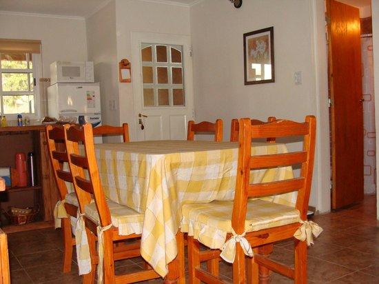 Winds Hill Home Resort: Comodo Comedor