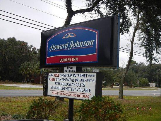 Howard Johnson Express Inn Gainesville FL : Road Sign