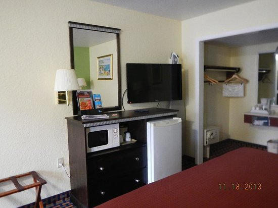 Howard Johnson Express Gainesville: room amenities