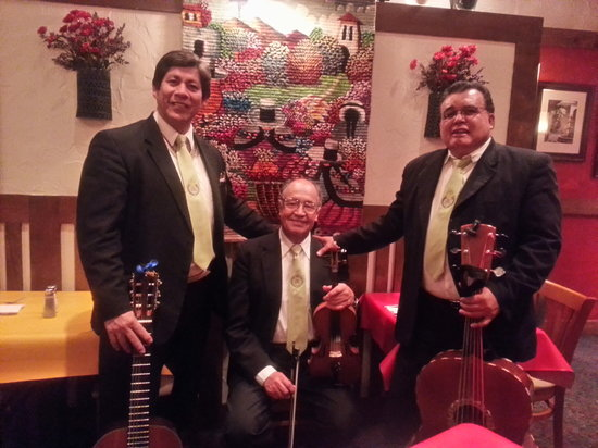 Jalapeno Loco Mexican Restaurant: Live Mariachi music Wednesdays 6-9pm
