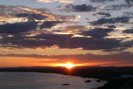 Nobile Suítes Del Rio Petrolina: Pôr do sol visto do quarto.