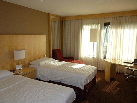 Sheraton Frankfurt Airport Hotel & Conference Center: Quarto