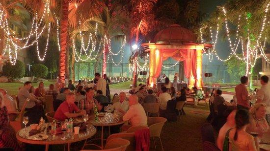 Lakeside Chalet, Mumbai - Marriott Executive Apartments: hotel compound