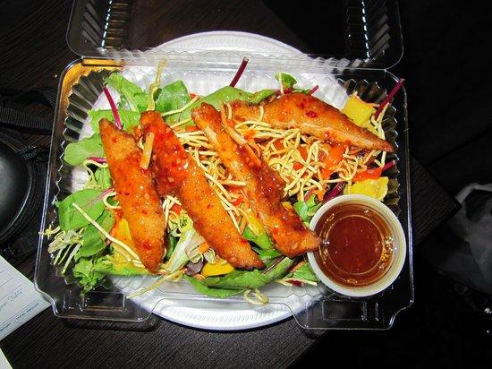 The Fishbowl Restaurant : Thai chicken salad