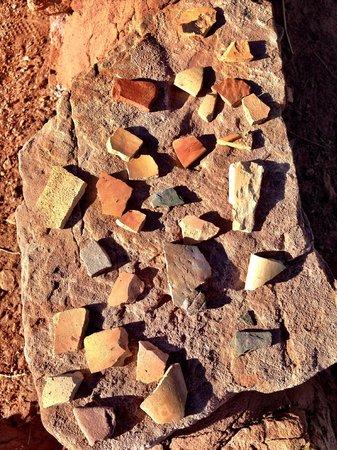 Homolovi Ruins State Park: Homolovi State Park - Pottery sherds