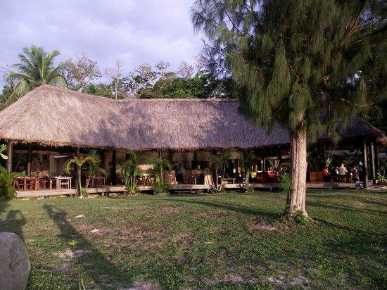 Nanuya Island Resort: Dinning area.