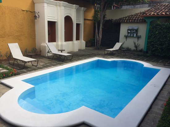 Hotel El Convento: Pool area