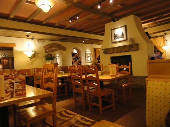 Dining Fireplace Picture Of Olive Garden Peru Tripadvisor