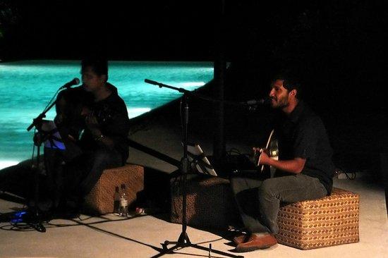 COMO Cocoa Island: Live Music
