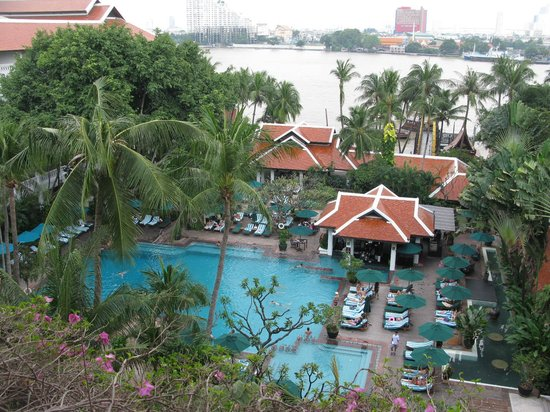 Anantara Riverside Bangkok Resort : River front room view