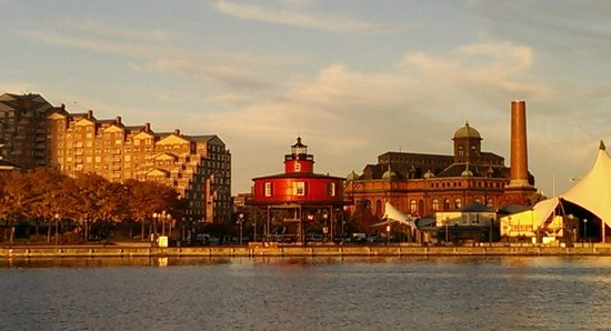 Baltimore Water Taxi: Lighthouse