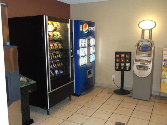 Howard Johnson Corpus Christi: Vending & ATM