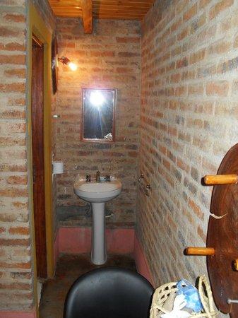 Che Roga Apart: el lavatorio, lo demas en una puerta a la izquierda