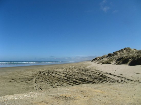Ninety Mile Beach: The road well travelled