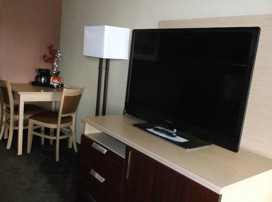 Howard Johnson Corpus Christi: Guest Room TV