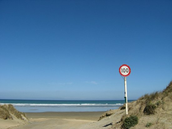 Ninety Mile Beach: Need for speed on the beach