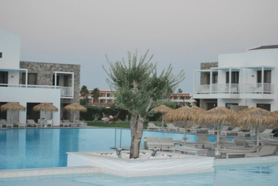 Diamond Deluxe Hotel & SPA - Adults Only : Hotel grounds
