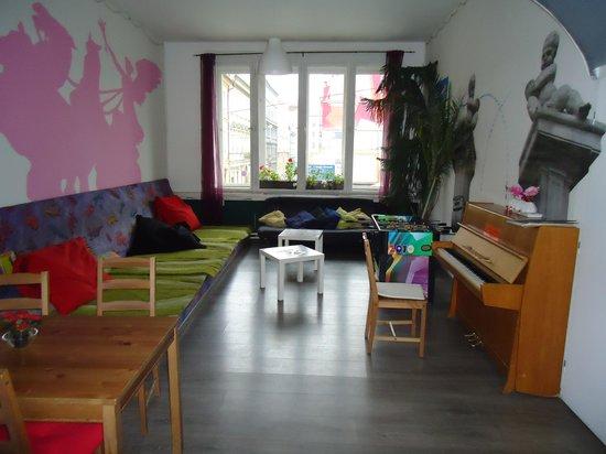 Hostel Downtown: estar