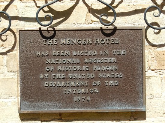 Menger Hotel: Another historic plaque