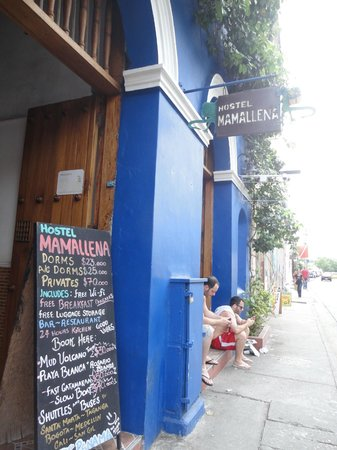 Hostel Mamallena : Front entrance