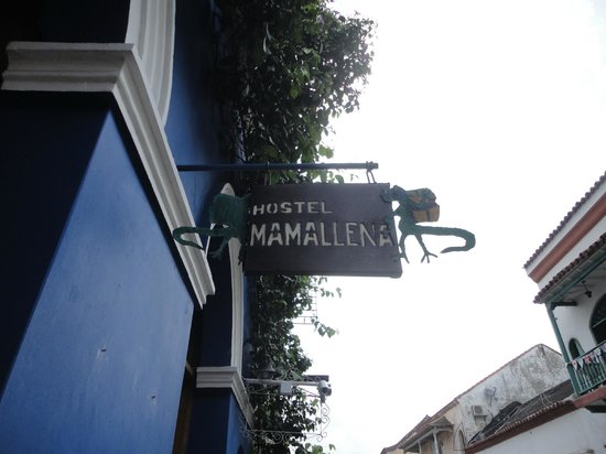 Hostel Mamallena: Front Sign