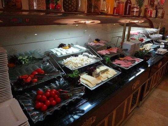 Arden Park Hotel: Buffet Breakfast