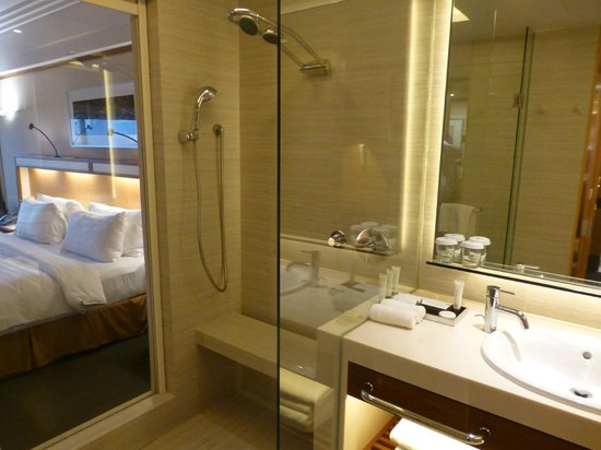 Pan Pacific Singapore : Best shower ever
