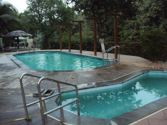 Paradise Villas & Resort: Pool
