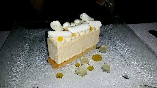 St Helena : Lemon torte