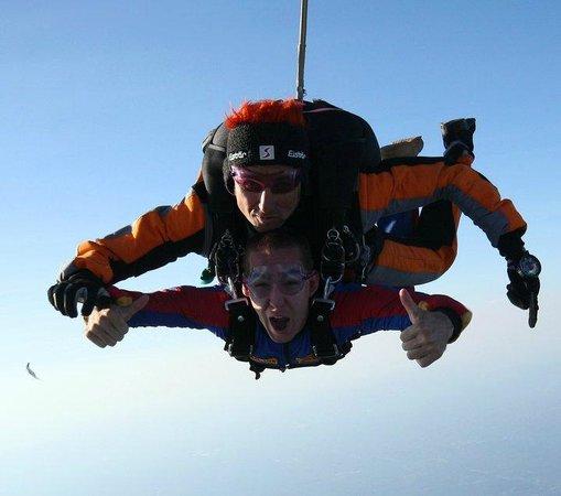 Parachutisme Adrenaline: en chute libre