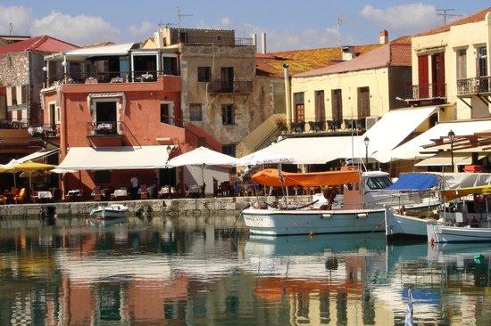 Venetian Harbour: Goog restaurants