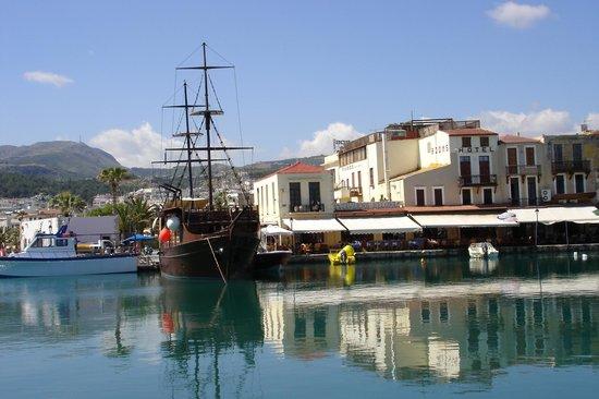 Venetian Harbour: Fine ships