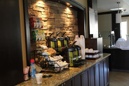 Staybridge Suites San Jose: Coffee bar