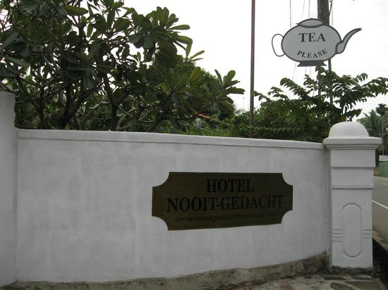 Nooit Gedacht Heritage Hotel: Entrance to Nooit Gedacht