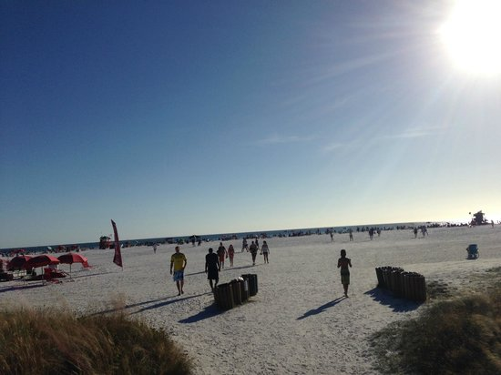 Siesta Beach: Lots of sand and sun