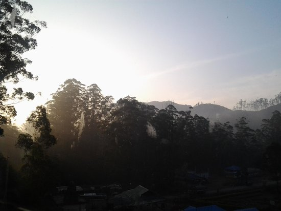 Clouds Valley Leisure Hotel: Munnar view