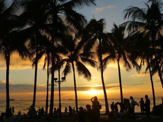 Kuhio Beach: hermosa puesta de sol