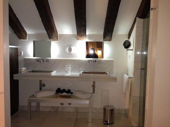 Hotel Hospes Puerta de Alcala : Bathroom