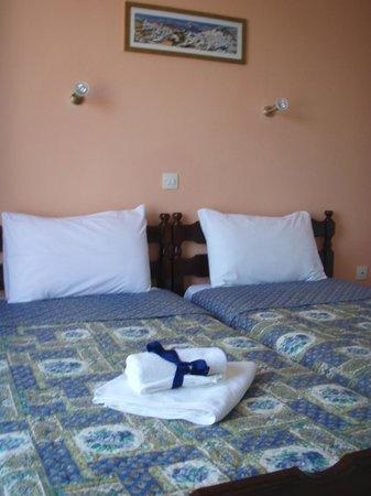 Agnantema: 2 single bed