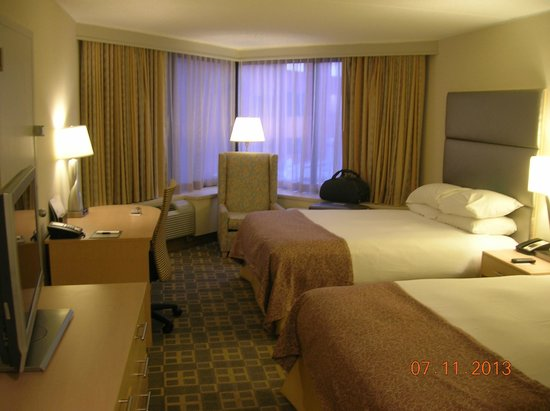 Doubletree by Hilton Philadelphia Center City: Spacious room