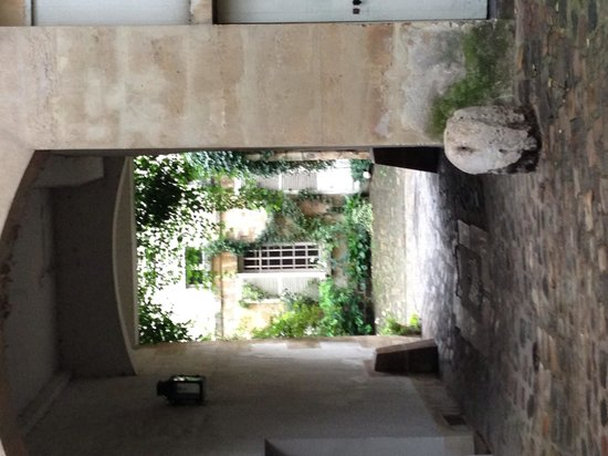 Hidden Paris Walking Tours : Hidden courtyards