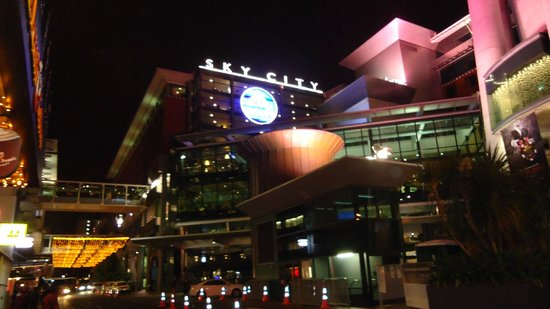 SKYCITY Grand Hotel: Front of Grand Hotel
