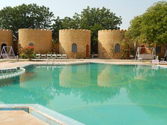 Himmatgarh Palace : The pool
