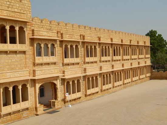 Himmatgarh Palace : This wing is undergoing renovation