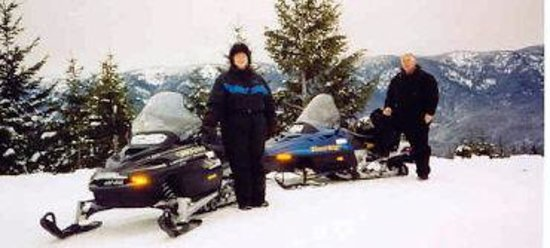 Mountain Springs Lodge Snowmobile Tours: Fantastic View of the Lake