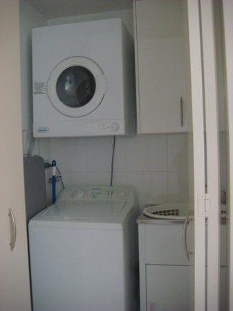 Meriton Serviced Apartments George Street, Parramatta: Apt 634 (Block D) - laundry