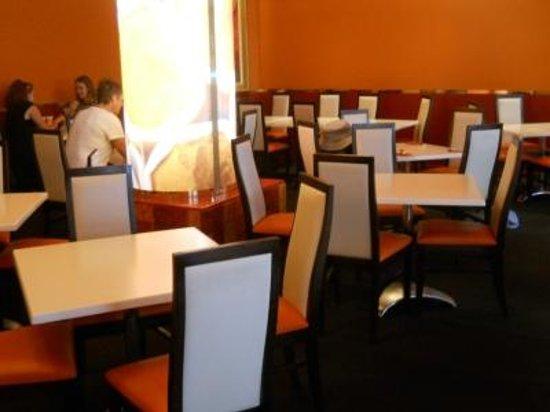 Shahi Tandoor: Shahi Dining Room