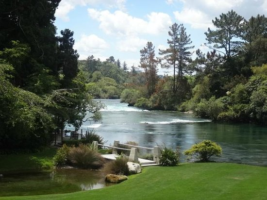Huka Lodge: Fantastic View from the terrace.